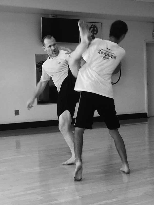 garry-oneill-axe-kick – Central Kyokushin Karate Brisbane